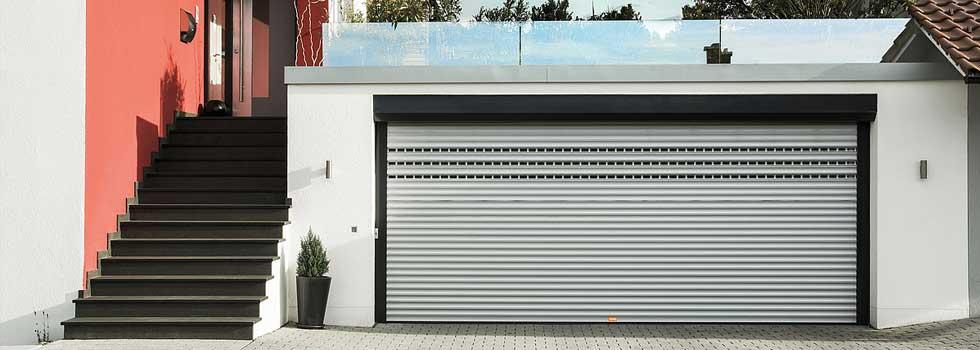 Garage mit Rolltoren von Roma, ROLENTO Garagentor von Roma